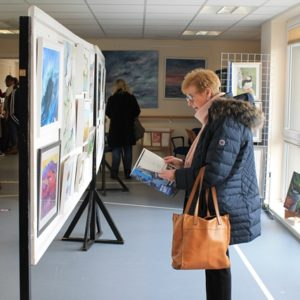Pop-Up Art Show Draws a Crowd