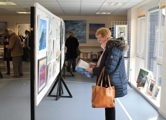 Pop-Up Art Show Draws a Crowd